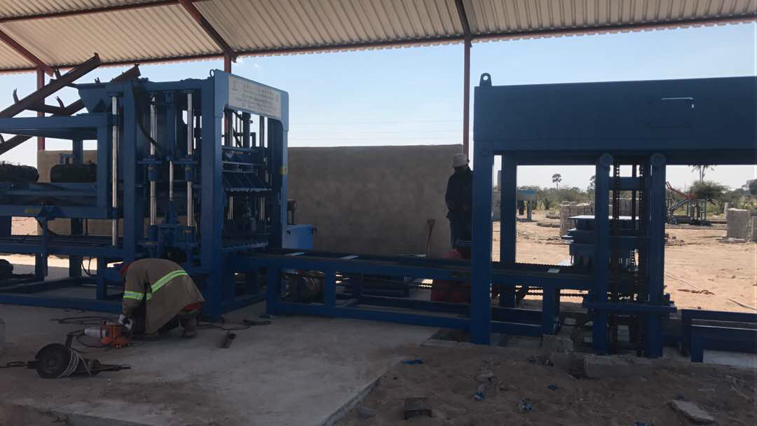 纳米比亚QTY6-15 block machine in Namibia (14)