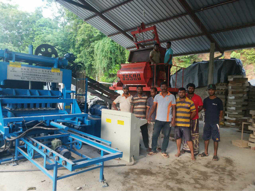 QTY4-15 block machine in Sri Lanka (4)