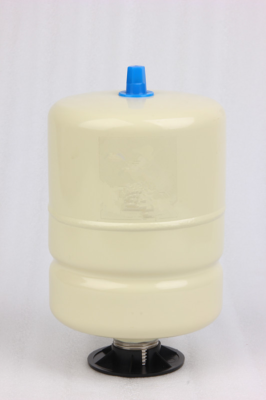 Diaphragm style small pressure vessel for drinking water