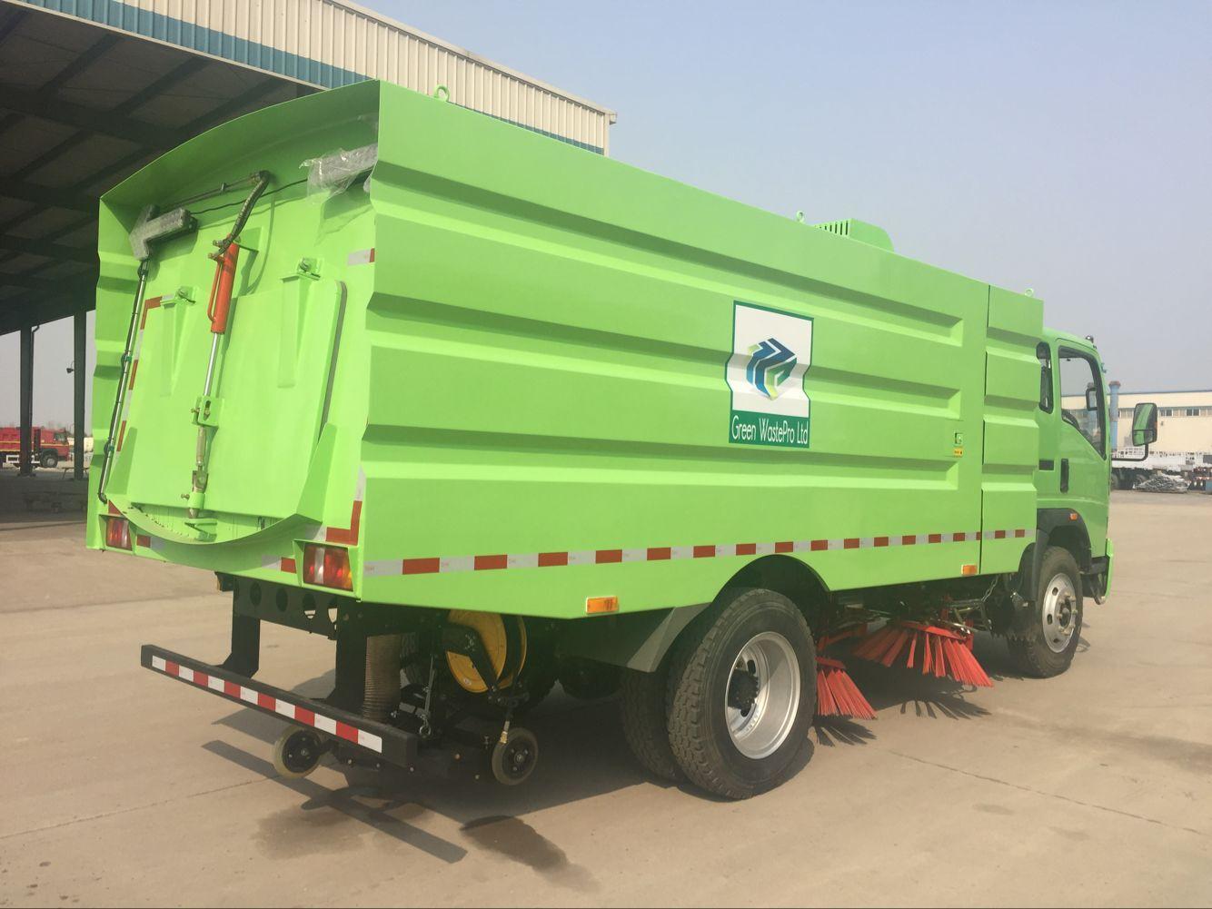 Tymco 600 Air Vacuum Street Sweeper (2006) : Heavy Duty Trucks