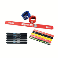 Custom logo silicone slap bracelets with metal clasp