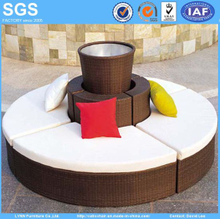 Outdoor Rattan Garden Furniture Set Round Sofa with Flower Pot