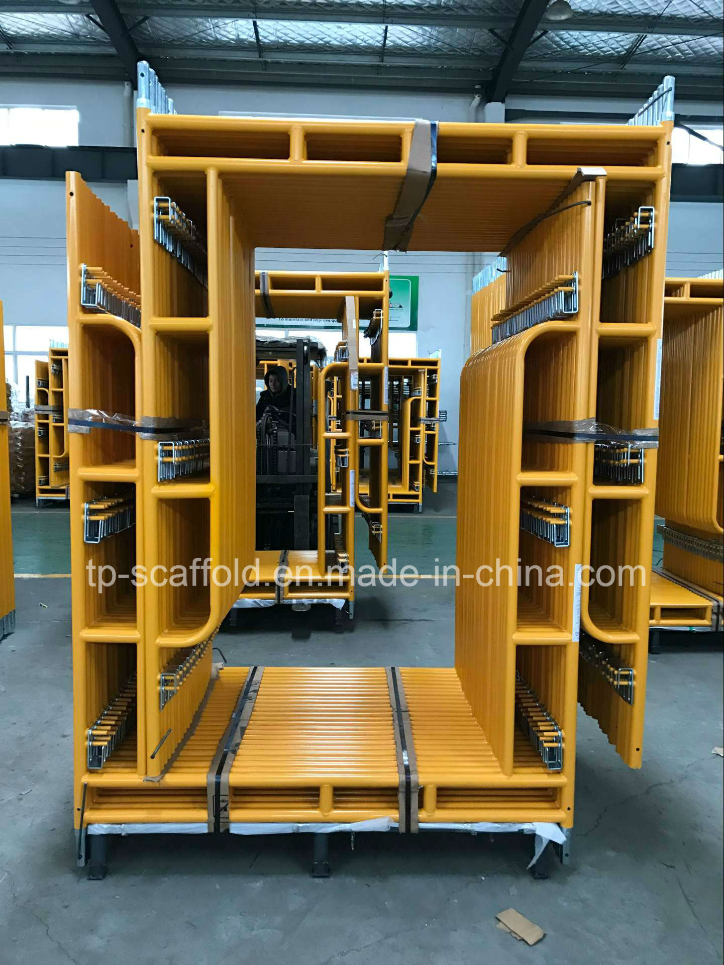 Q235/Q345 Powder Coated Panited Walk Through Scaffolding Frame