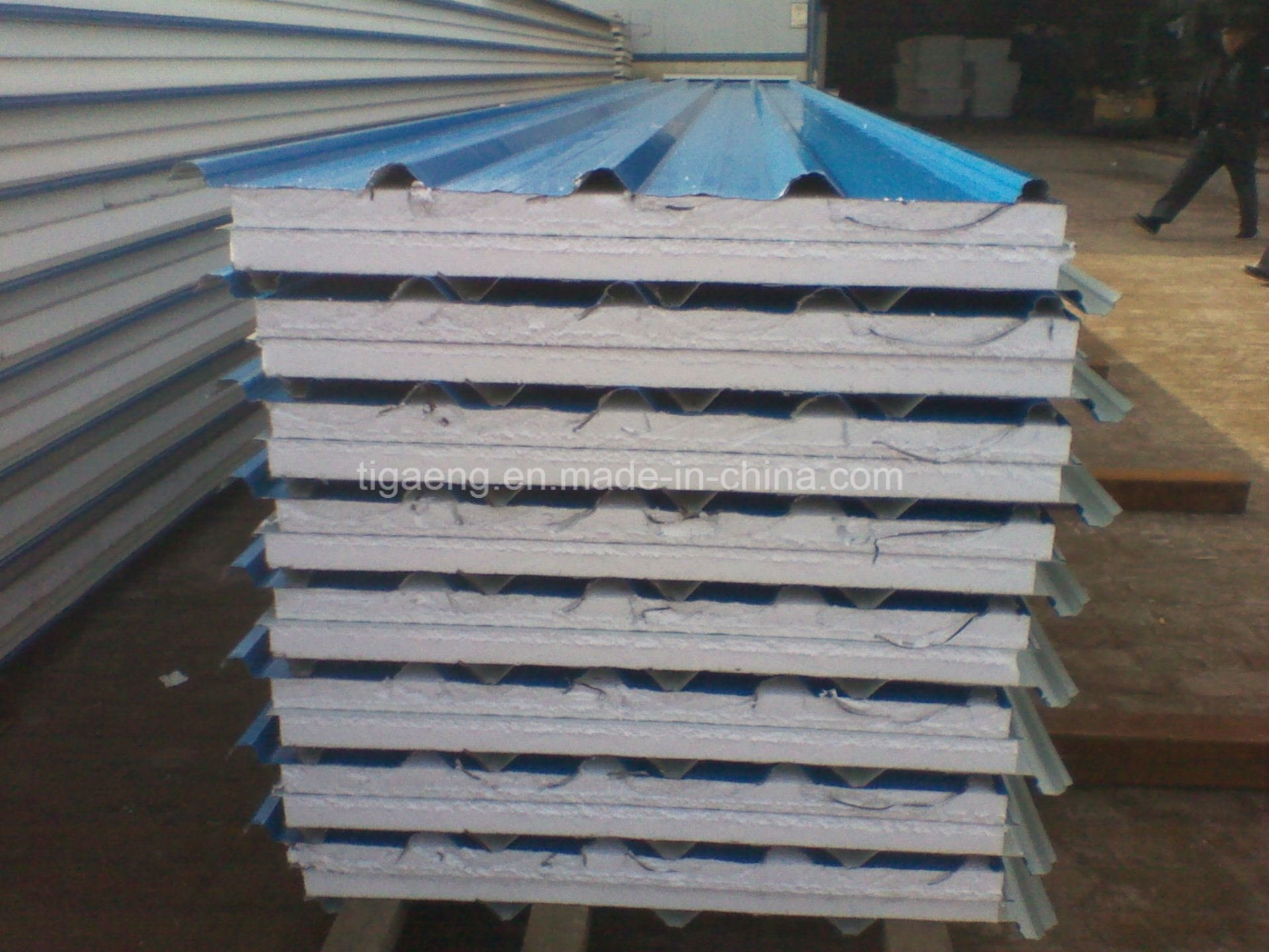 Color Steel Insulated EPS Sandwich Panel for Roof and Wall