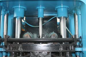 Trois cylindres sur le moulage supérieur