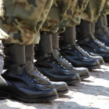 How to choose the proper military boots?.jpg