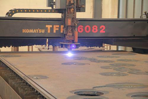 大型等离子切割机—日本小松6000W,加工范围:6200×3000,t≤40_副本