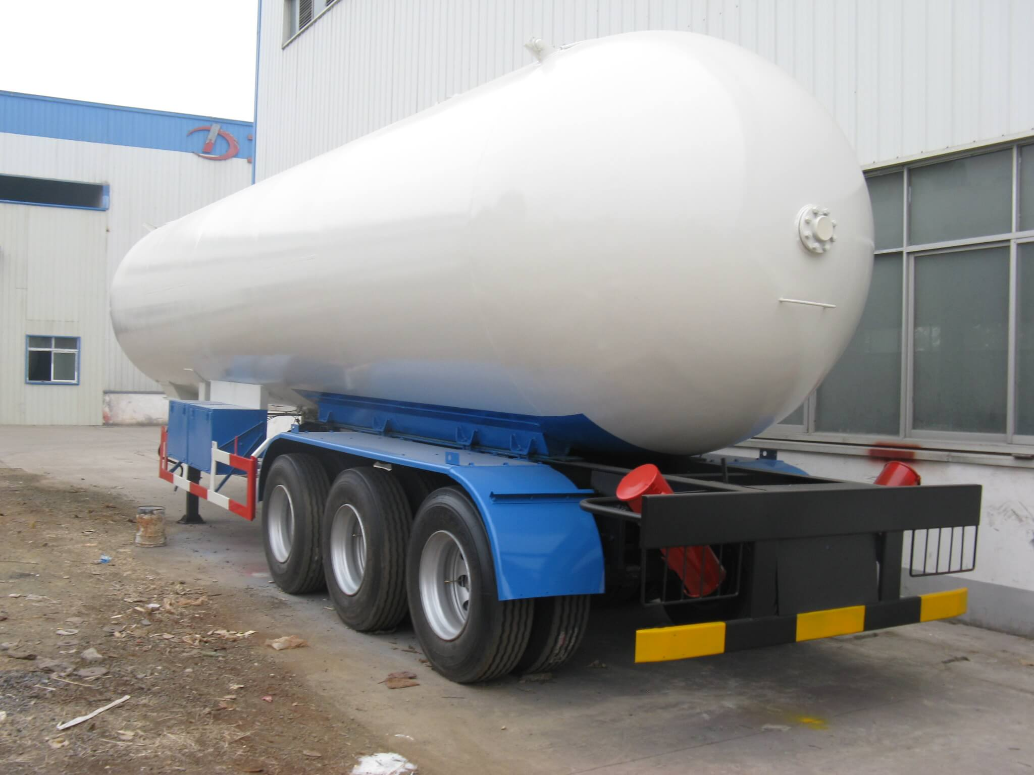 3 Axle LPG Tanker Semi Trailer