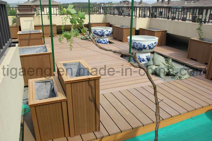 2017 New Design Anti-Slip WPC Outdoor Decking Floor for Europe