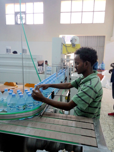 water bottle packing line2