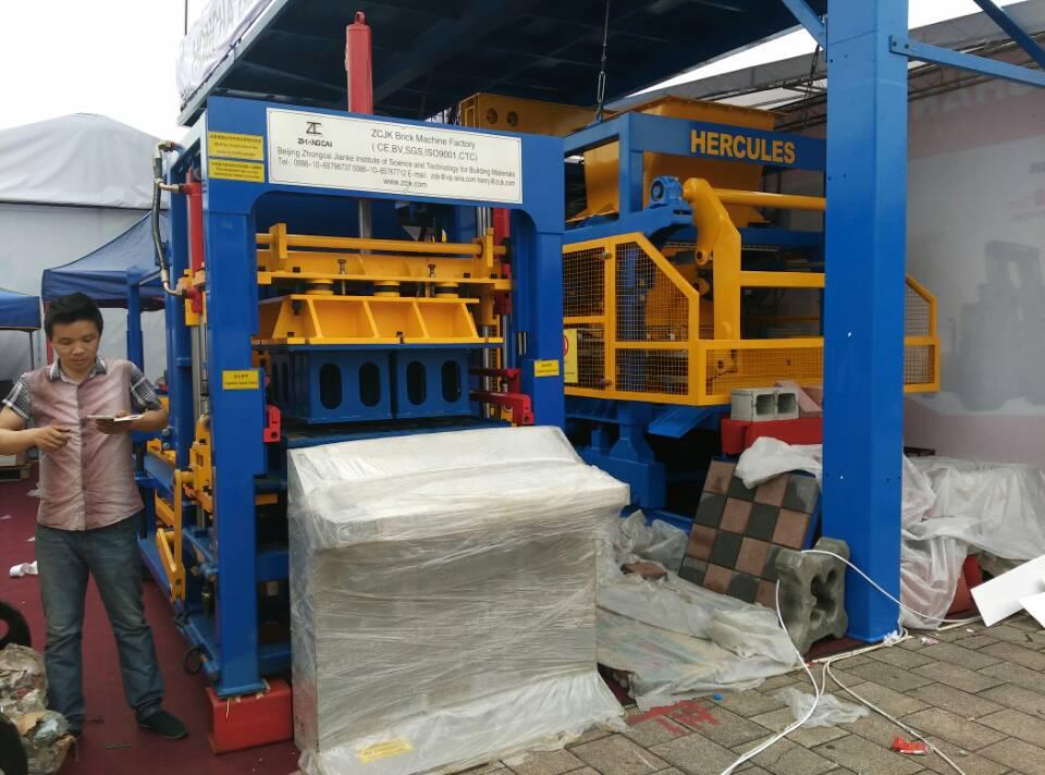ZCJK6-15 hydraulique Bloc machine à la Foire de Canton