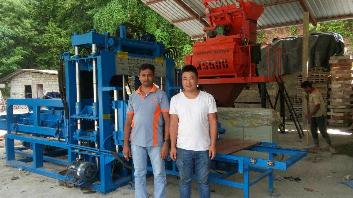 Machine du bloc QTY4-15 au Sri Lanka (10)