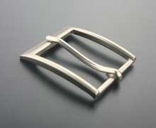 2018 most popular 30mm zinc alloy hardware pin buckle