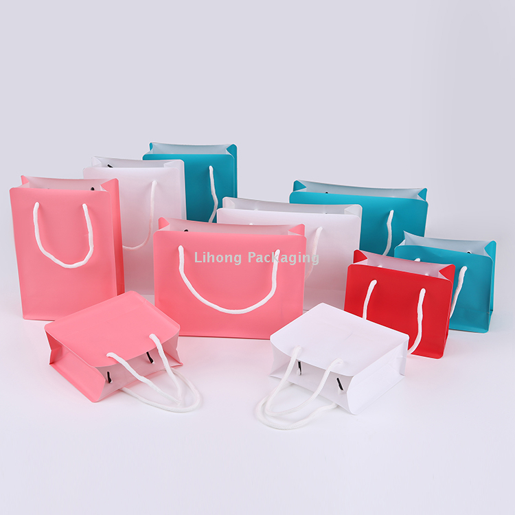 Promotional items Flexible Packaging Plastic Gift Carrying Bag With Handle