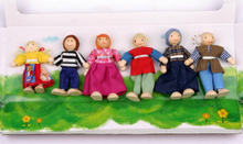 Wooden Toy Doll Family (SR-0012)