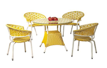 Garden Furniture Mixed Colored Yello White Outdoor Rattan Dining Chairs and Table