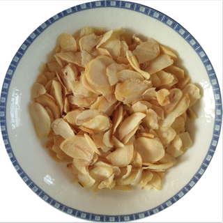 Premium Dried Garlic Flakes for Food Produce