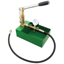 Manual pipe pressure test pumps with brass valve