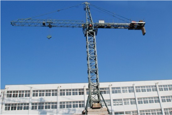 Travelling Tower Crane