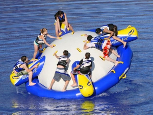 Durable Large Inflatable Water Towable Water Toys Disco Boat for Water Park