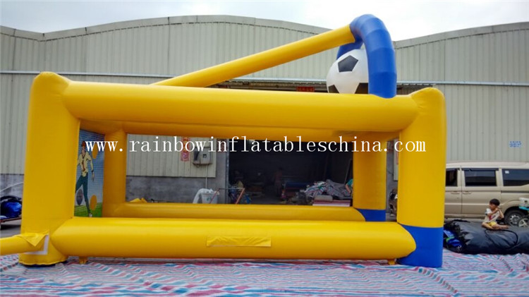 RB9026(6.5x3.5x4.3m) Inflatable Football Kick Penalty Shootout Football Shooting Games For Sale