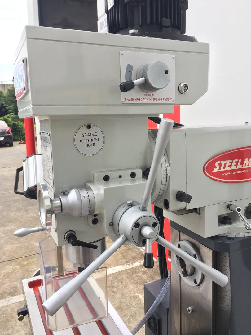 MGH50W. Universal Mill Steelmaster. Variable Speed, Gear Drive with 3 Axis Digital Readout
