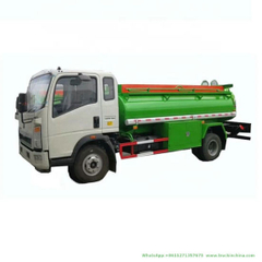 5000 Liters HOWO Fuel Tanker (LHD, RHD Right Hand Drive Diesel Delivery Refueling Truck 1500 -2000Gallon)