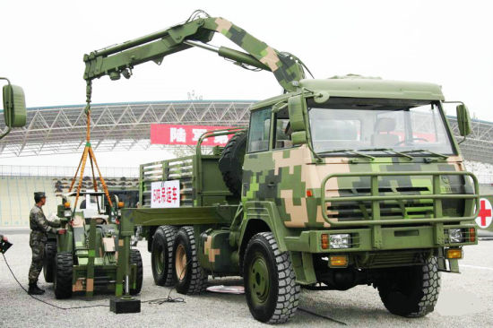 All Wheel Drive 6X6 Military Truck with 5t Crane Knuckle Boom for Sale