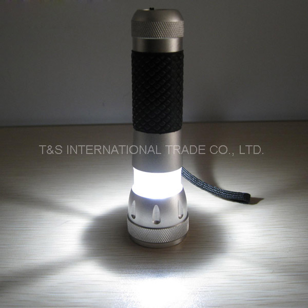 Collapsible LED Flashlight