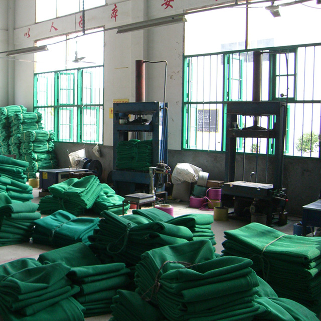 HDPE 140gsm green and black color scaffold net