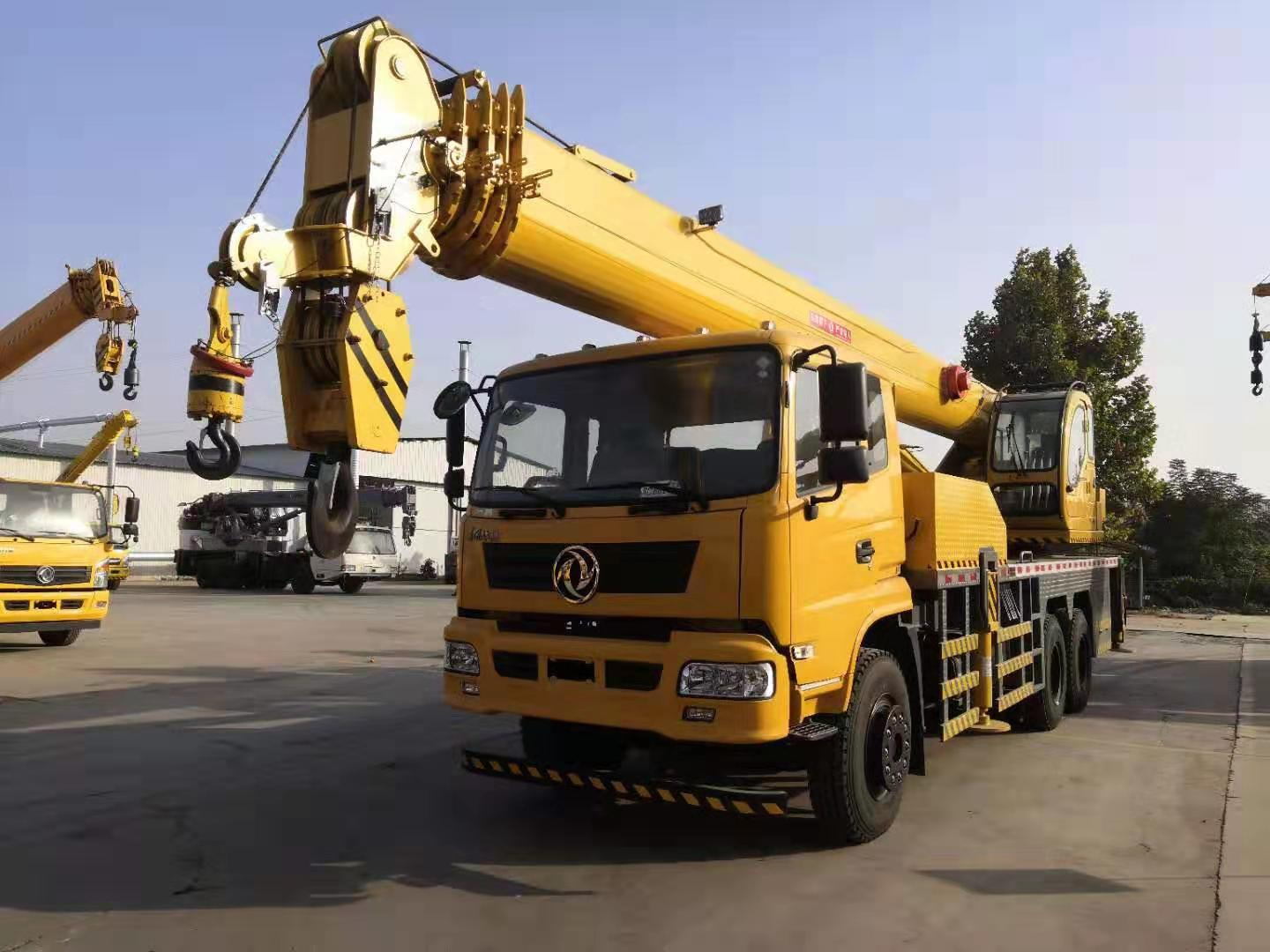 China Best Quality 10 Wheel 6x4 New 16 Ton Crane Truck