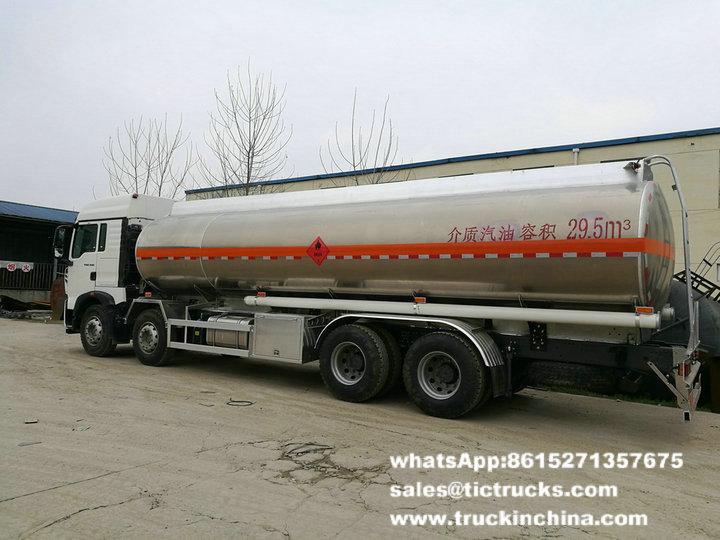 Essence en aluminium Tank_1.jpg du camion-citerne de HOWO -28T-SINOTRUK HOWO 8x4