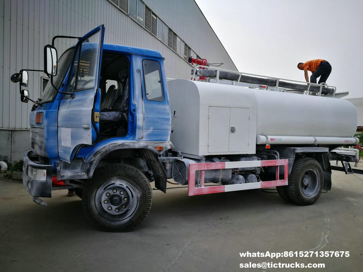 camion de pompiers -014-DRZ5107TSF.jpg de l'eau