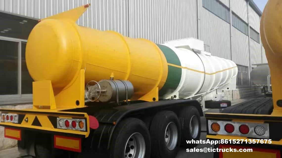Camion-citerne -004-_1.jpg d'acide sulfurique