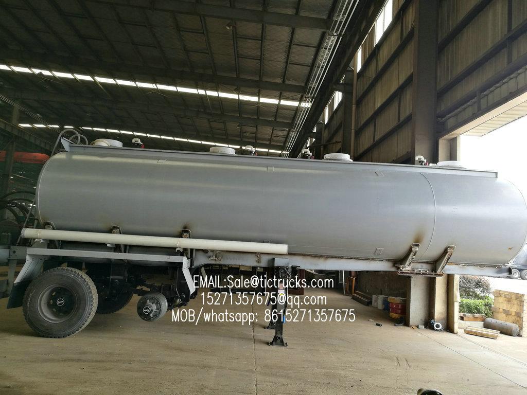 Acide chlorhydrique tanker.jpg du réservoir -26000L- d'hypochlorite de sodium