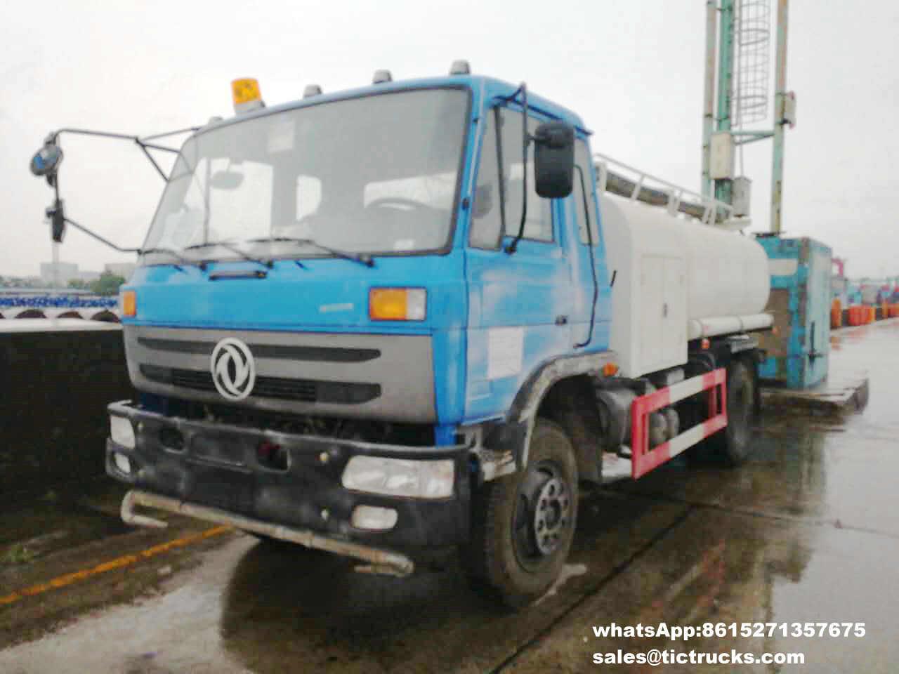 camion de pompiers -001-DRZ5107TSF.jpg de l'eau