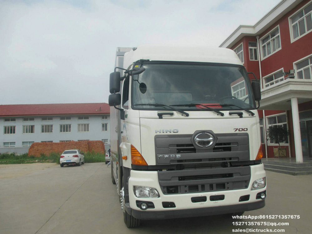 Project Rescue Publicity -23-HINO-700-truck_1.jpg