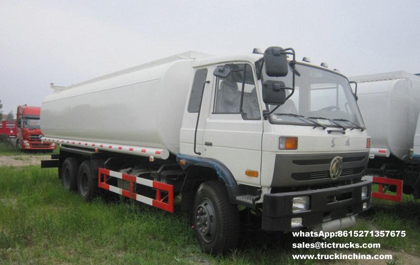 Véhicule de transport de pétrole de Dongfeng
