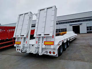 Compete Price 3 Axles Lowboy Low Bed Truck Semi Trailer in China