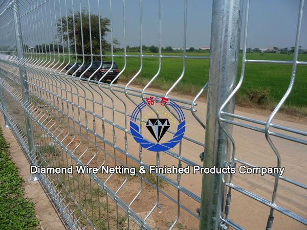 Double loop welded wire fence diamond netting