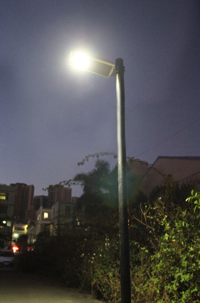 street-light-in-France.jpg