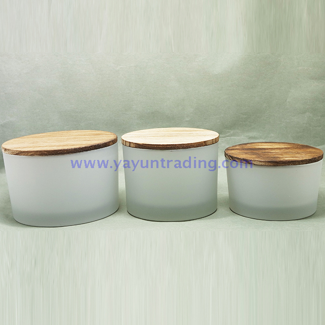 2019 frosted glass candle cup with sealed wooden lid