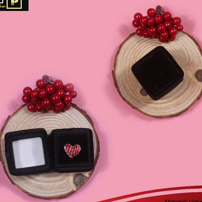 Velvet ribbon Ring box.jpg