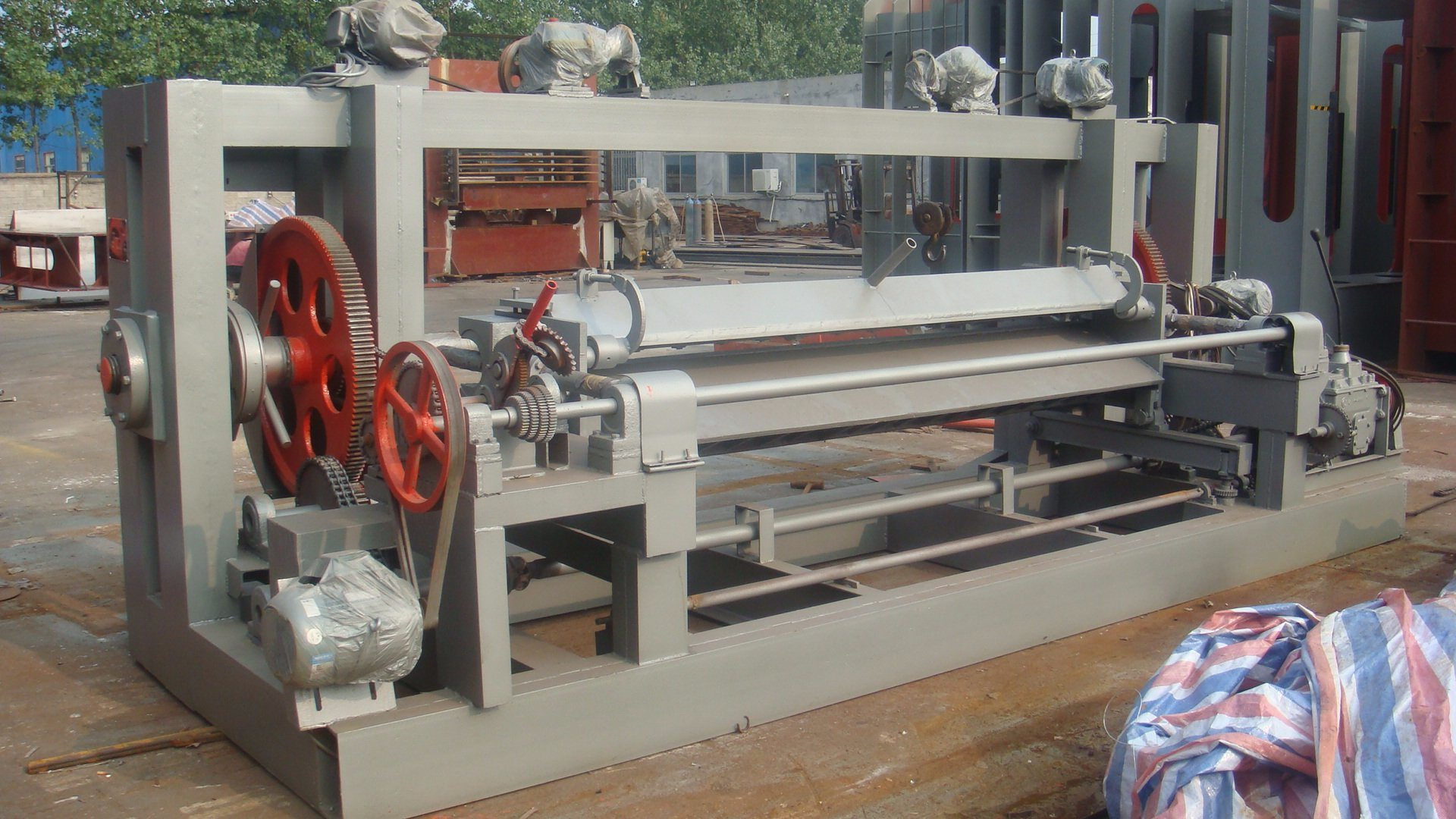 The 8 Feet Okoume Face Veneer Peeling Lathe for Gabon