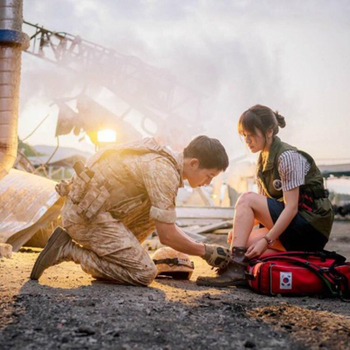 "The attractive military boots recommended by the ""descendants of the sun"""