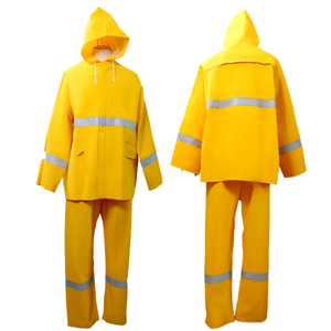 0.35 Mm PVC Polyester Waterproof Two Pieces Reflective Raincoat