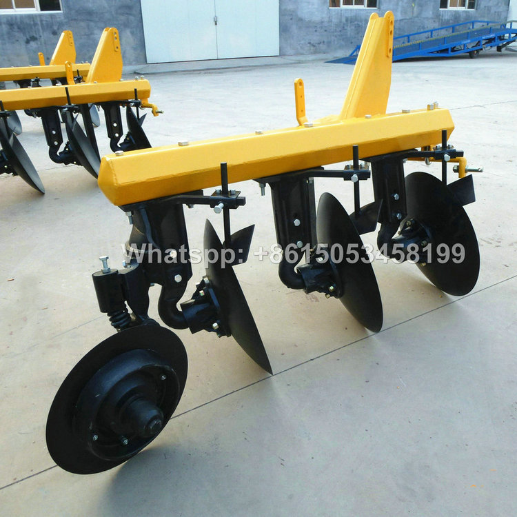 Tractor 3 disc plough