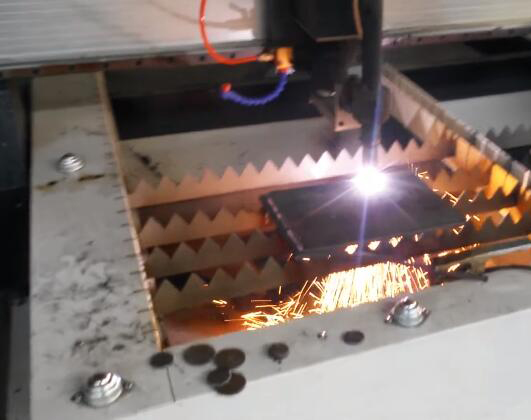 cnc plasma cutter with America thermadyne 40A cutting 8mm steel .jpg