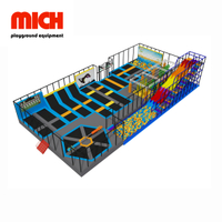 Medium Commercial Indoor Wipe Out Trampoline Park dengan Big Slide
