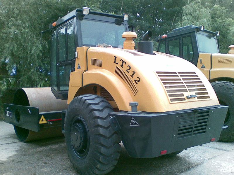 LT212/LT214B Mechanical Single drum Vibratory asphalt compactors